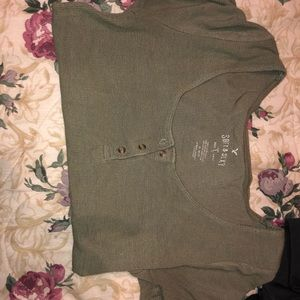 Small t shirt with buttons